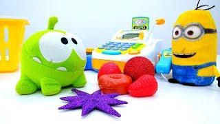 Video für Kinder:  Einkaufen mit Om Nom Spielzeug