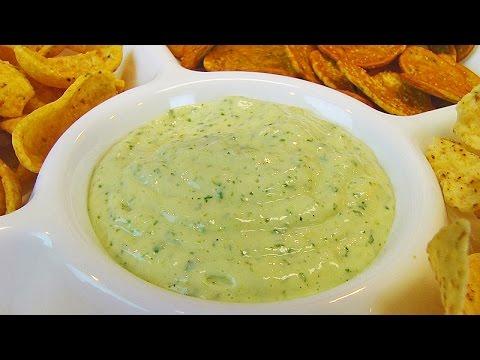 Betty's Creamy Green Chile Dip