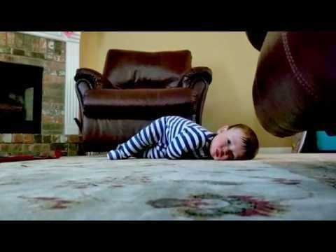 Timelapse: Baby learning how to crawl