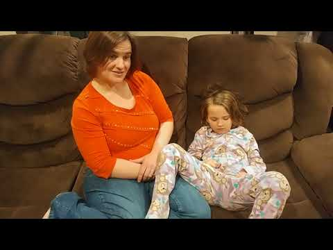 Lisa and mommy play ABC memory