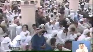 خطيب المسجد النبوي يبكي و يدعو لمصر