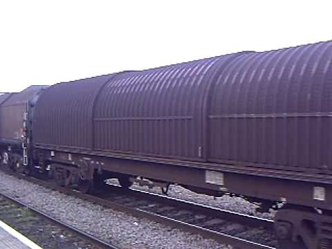 66061 passing through cardiff central (caerdydd canolog) station