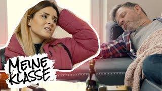 Von zu Hause weggelaufen! Clara flieht vor Vater! | Folge 22 | Meine Klasse – Voll das Leben | SAT.1