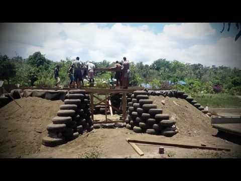 Vanuatu Earthship Time Lapse in 2 minutes