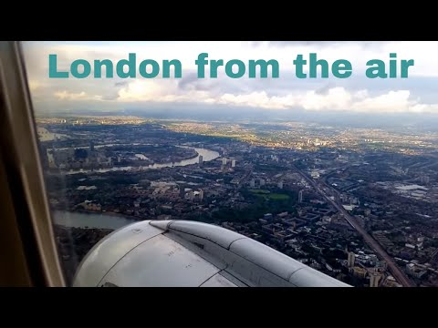 Scenic arrival at London City Airport (LCY)