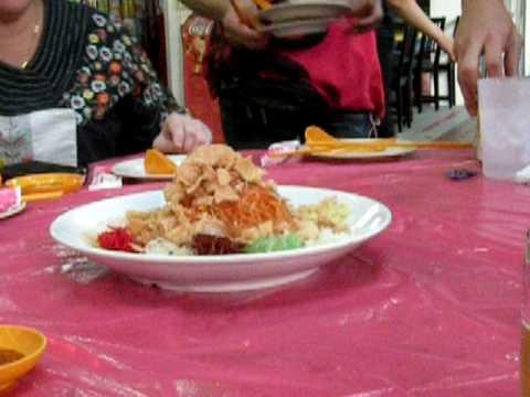 Yu-Sheng: Singapore's New Year Dish for Good Luck la!