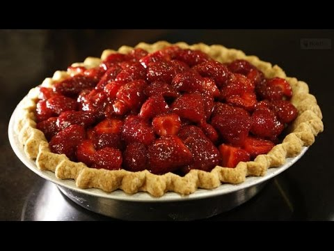 How to make a jaw-dropping strawberry pie