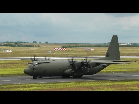 Royal Air Force C-130 + 2x Unites States Air Force AC-130 Spooky II takeoff