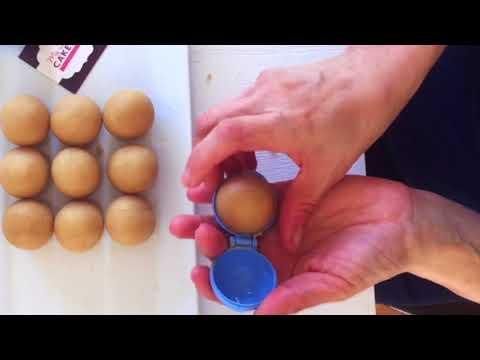 molding cake pop balls