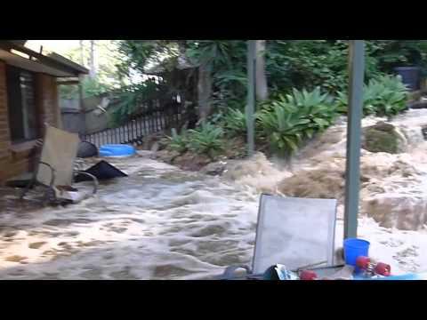 Water Main Burst - Homes flooded Bellbird Park by Queensland Urban Utilities (QUU)