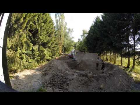Timelapse of building DIRT JUMPS - backyard MTB gopro