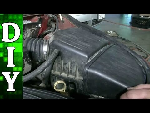 How to Remove and Replace an Engine Air Filter on a Chrysler PT Cruiser