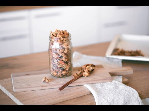 apple pie granola // OIL FREE + SUGAR FREE