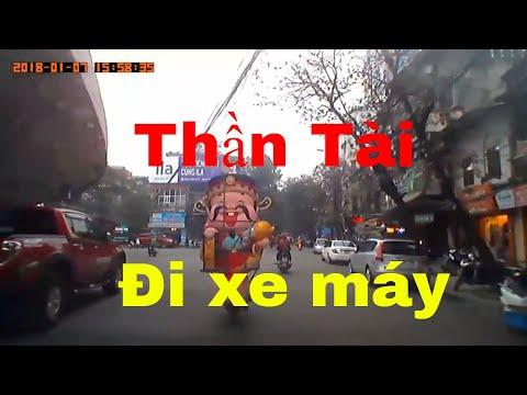 Crazy traffic - Gặp Thần Tài đi xe máy giữa phố Hà Nội