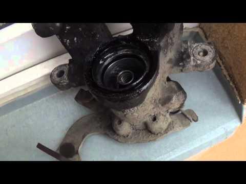How to repair rear brake caliper Toyota Auris / Corolla