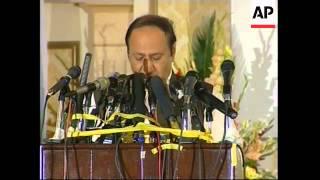 Pakistan pledges to pursue peace as summit opens