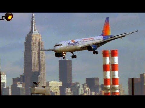 New York (EWR) Airport and full Manhattan night view take-off