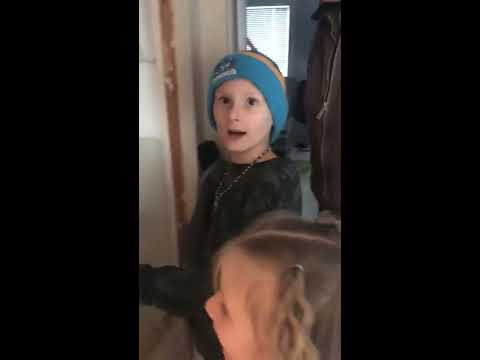 Kids are reunited with missing cat, heart warming - 981381