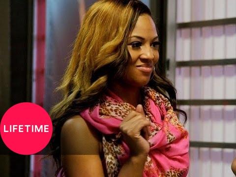 Bring It!: Setting Up Kayla's Prom Proposal (Season 1, Episode 15) | Lifetime