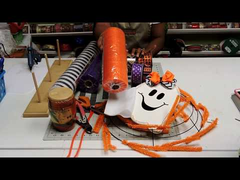 How to make and Extra large  SPOOKTACULAR  pouf ruffle method deco mesh wreath