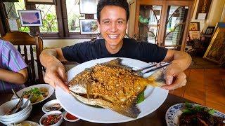 Giant CRISPY POMFRET at 1 MICHELIN STAR - Thai Food Restaurant!   Bangkok, Thailand
