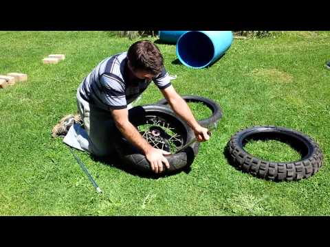 How to change a tubeless motorcycle tire