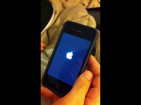 iPhone 4 Screen Glitch???