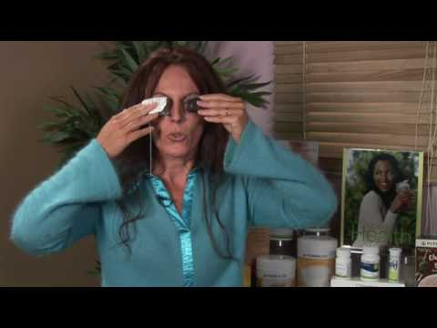 Herbal & Natural Remedies : How to Use Tea Bags for Swollen Eyes