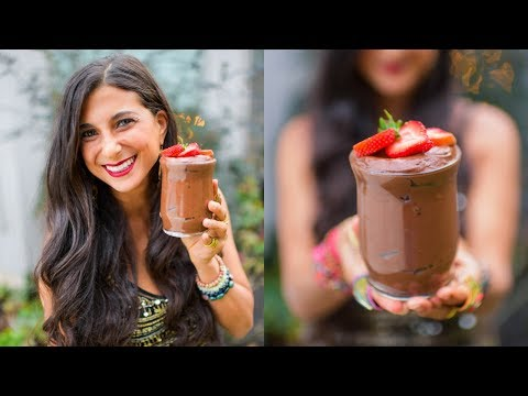 Avocado Chocolate Mousse! Fun Raw Vegan Dessert!