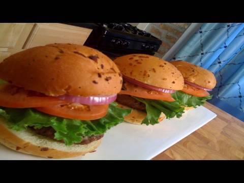 Garlic and Fresh Basil Hamburgers
