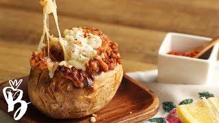 بطاطس مشوي بصلصة اللحم والجبن | Chili Cheese Baked Potatoes