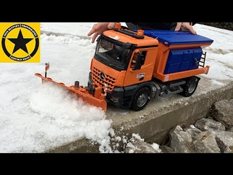 BRIUDER TOYS Truck for Children😊 Arocs SNOWPLOW TRUCK with Light Sound Module!