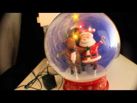 GEMMY Prototype  CHRISTMAS LIGHTED MUSICAL SANTA/REINDEER SNOW GLOBE 10 Inch with    SNOW