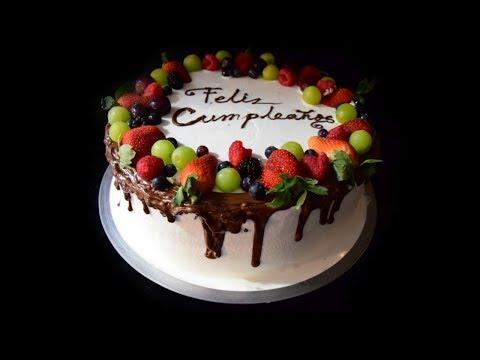Decorando pastel de tres leches / three milk cake decoration