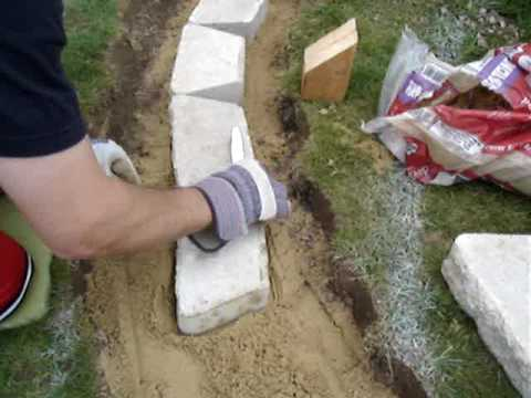 How to build a retaining wall : leveling tips