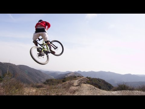 Fistfuls of Sand | On Track With Curtis Keene: S1E3