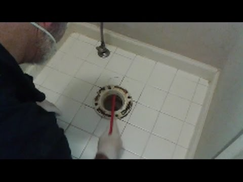 Remove and Install Toilet Flange   Part 1 -  Removing A Very difficule PVC Toilet flange and tips