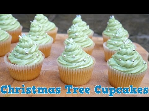 How To Make CHRISTMAS TREE CUPCAKES! - Yum It