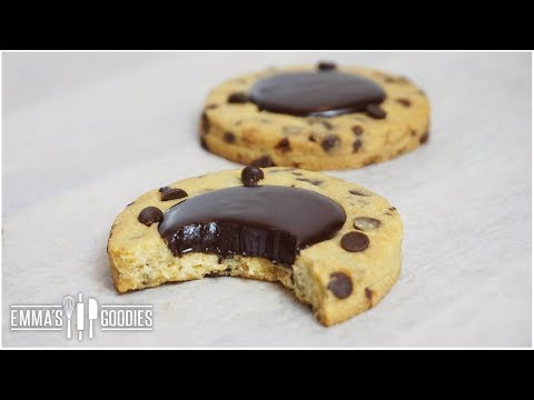 CRISPY Chocolate Chip Cookies Recipe ( Soft Chocolate Filling )