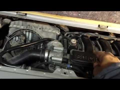 Smart Fortwo 450   Starter motor replacement and lowering the Engine   Part 1
