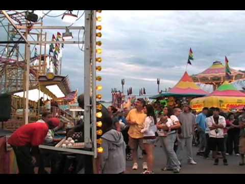 Dunk Tank Clown at NY State Fair 2010 - Part 1