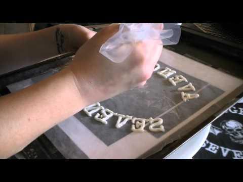 Frozen Buttercream Transfer Howto