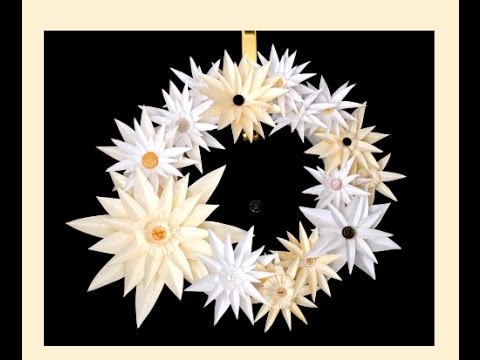 Awesome paper wreath -  paper flower - quick and easy. Great ideas for Easter decoration