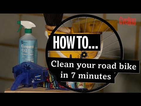 How to clean your road bike in 7 minutes