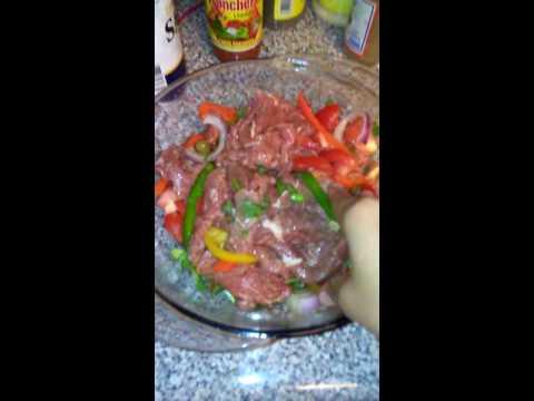 Carnes de res guisada dominicana