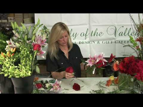 Wedding Flowers  : How to Make Ball Wedding Bouquets