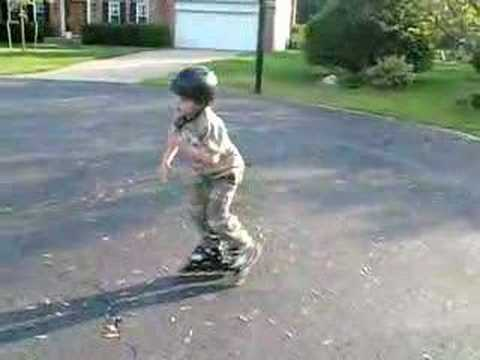 Gavin's 4 Steps To Learning How To Roller Blade
