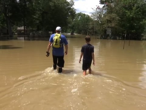 Residents Struggle to Save Homes in Louisiana