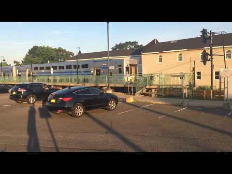 LIRR: Railfanning Evening Rush Trains Terminate in Port Jefferson