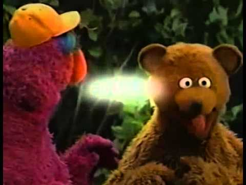 Sesame Street - Baby Bear Has Trouble Playing Catch